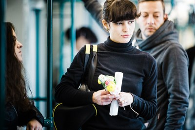 В кампанията в метрото се включи и изгряващата звезда на българското кино Елица Матева.
