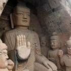 Китай обмисля да ограничи броя на туристите в пещерните храмове
