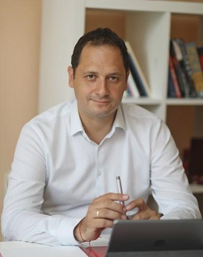 Петър Витанов е евродепутат и ръководител на Делегацията на българските социалисти в ЕП. СНИМКА: НИКОЛАЙ ЛИТОВ