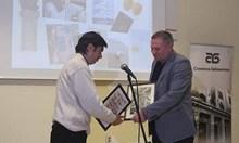 Милен Русков е връчил наградата на Георги Господинов за най-четен български автор и му е поискал прошка. Достойни!