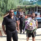 Въпреки усилията на лекарите Малин Илиев почина и бе погребан месец сред взрива от близки и приятели.