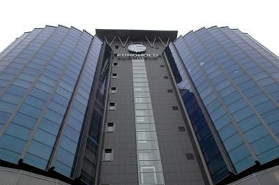 Най-големият публичен холдинг в България подписа договор за закупуването на бизнеса на ЧЕЗ Груп у нас на 20 юни тази година.