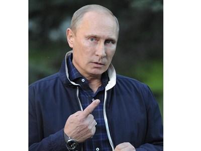 Путин говори пред журналисти във Владивосток. СНИМКА: РОЙТЕРС