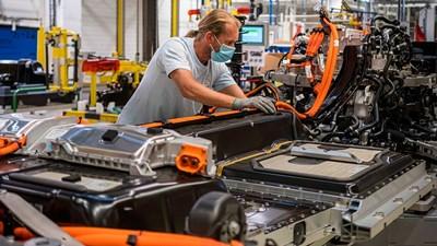 И заводът за батерии на Volkswagen няма да е в  България