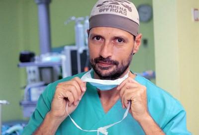 Д-р Емануил Найденов: Докосвам се до мозъка, но това ми дава само част от смисъла, заради който избрах медицината