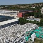 """Това са опасните отпадъци  от дейността на """"Монбат"""",  съхранявани в Плевен."""