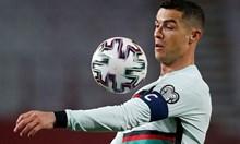 Един ядосан жест, едно футболно величие и битката за живота на едно дете