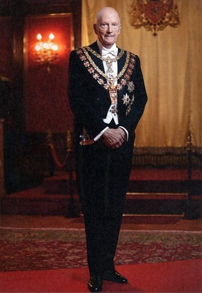 Това е снимката, която е на картичката, изпращана от Симеон Сакскобургготски на гостите, които уважиха 80-годишния му юбилей
