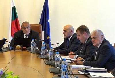 Премиерът Бойко Борисов и министрите му направиха последното разпределение на парите за общините на 1 август.