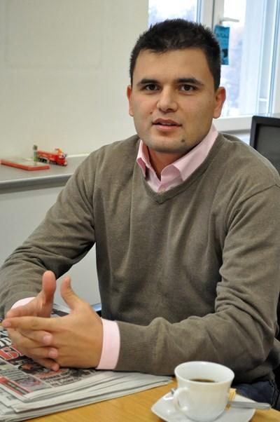 """Лъчезар Богданов е икономист, анализатор в Института за пазарна икономика. СНИМКА: """"24 ЧАСА"""""""