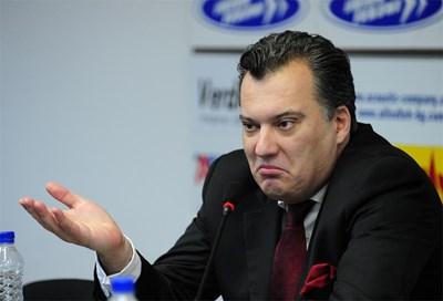 Неочакваната смърт на Михаил Миков - Мишо Бирата спря за кратко роенето на скандали около пивоварната му.