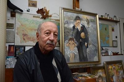 Сули Сеферов до картината с Коньовичаря - главният герой в неговото творчество
