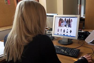 Приходната агенция стартира и информационна кампания, насочена както към търговците онлайн, така и към потребителите.