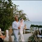 Американският актьор Вин Дизел заведе пред олтара дъщерята на актьора Пол Уокър, който загина при автомобилна катастрофа, по време на сватбата й.  Снимка: Инстаграм/meadowwalker