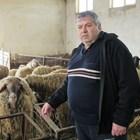 Животновъдът Стефан Найденов от с. Мрамор, Софийско Снимки: Андрей Белоконски