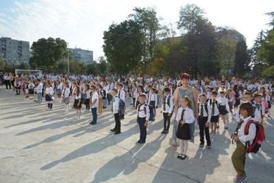 Над 3000 първолаци тръгнаха на училище във Варна
