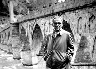Иво Андрич край моста на Дрина