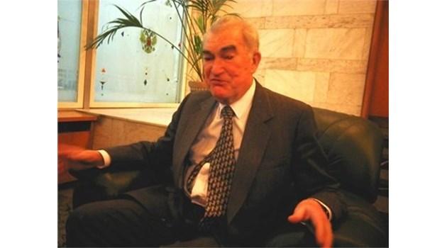 На 88-годишна възраст е починал гененералът от КГБ Виктор Шарапов. Той свали от власт Тодор Живков заедно с Горбачов