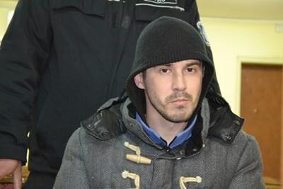 Обвиненият в убийството на Дамла Мехмед в съдебната зала