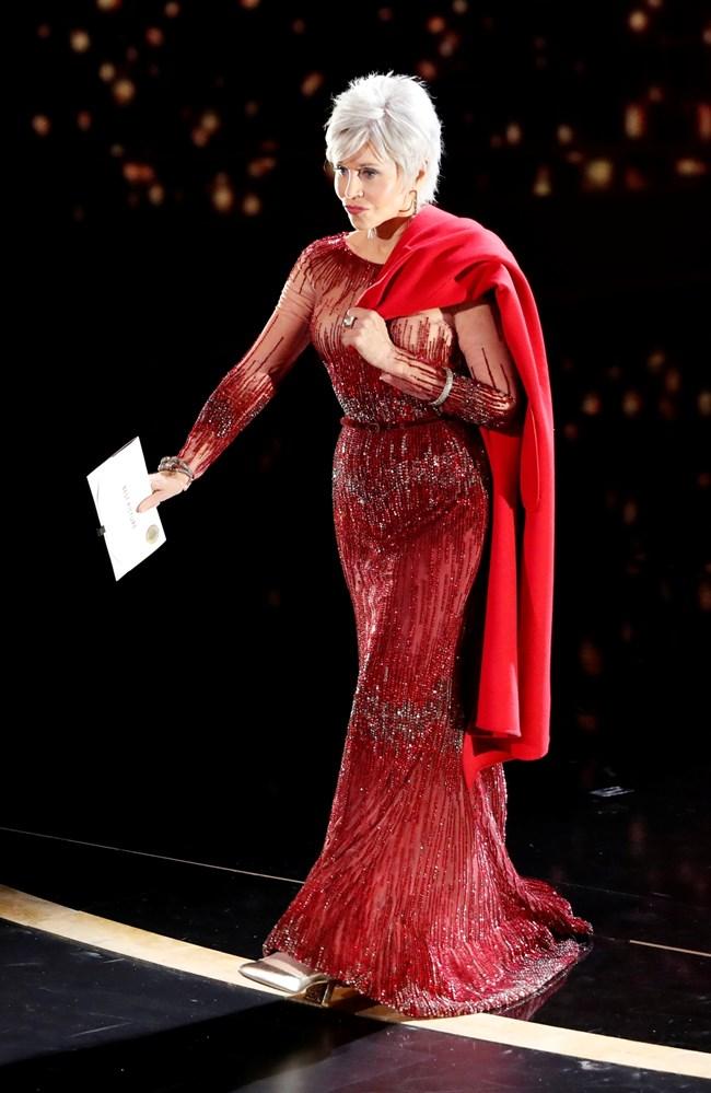Джейн Фонда също се появи с рокля от 2014 г.