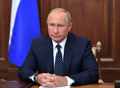 Путин иска да повиши възрастта за пенсиониране на 60 години за жените и 65 за мъжете. Снимка РОЙТЕРС