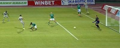Клаудиу Кешерю вкарва първия си гол в мача. СНИМКА: Тв Екран
