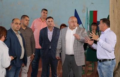 Министърът на младежта и спорта Красен Кралев посети Плевен, за да се срещне с представитли на местната спортна общественост.  СНИМКИ: ММС