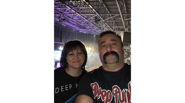 Цвета Караянчева заведе мъжа си на концерта на Deep Purple (Видео, снимки)