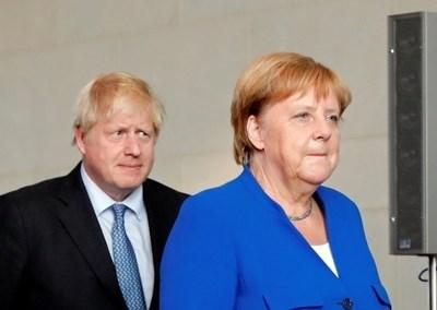 Борис Джонсън и Ангела Меркел СНИМКА: Ройтерс
