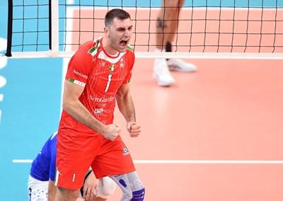 "Соколов направи 17 точки за ""Кучине Лубе"", но тимът му бе надигран от ""Модена""."