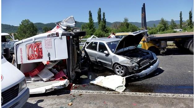 """Участъци на смъртта. За 2 години на АМ """"Тракия"""" има 2158 катастрофи, 75 убити, 527 ранени"""