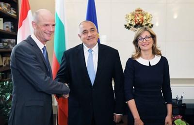 Външният министър на Холандия Стеф Блок се срещна с премиера Бойко Борисов и вицепремиерката Екатерина Захариева. Повод за визитата му е 110 годишнината от установяването на дипломатически отношения между двете страни.