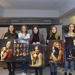 Момичетата показаха любимите си кадри от календара, който е изключителен. СНИМКИ: ЙОРДАН СИМЕОНОВ