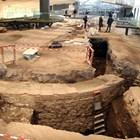 Под нивото на мозайките излезе по-старият античен храм с дъговидно водно огледало в центъра. Снимки: Евгени Цветков