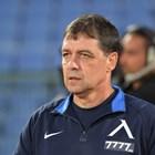"""Наставникът на """"Левски"""" Петър Хубчев на тренировка навръх рождения си ден"""
