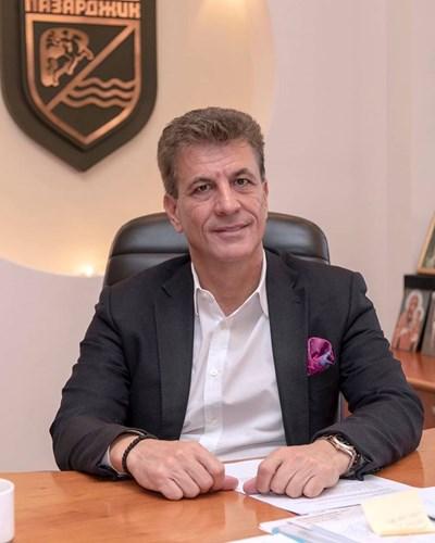 Тодор Попов: След месец смущение заради кризата в Пазарджик има недостиг на кадри и незаети работни места