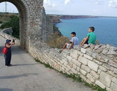 Останките от крепостта Калиакра, едно от последните български укрепления, привличат туристи. СНИМКА: ЛИЛЯНА КЛИСУРОВА