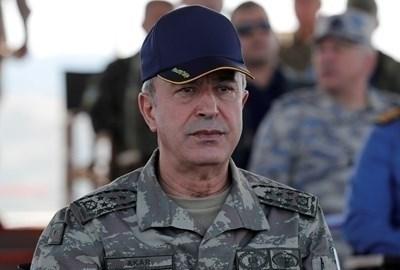 Турският министър на отбраната Хулуси Акар СНИМКА: Ройтерс