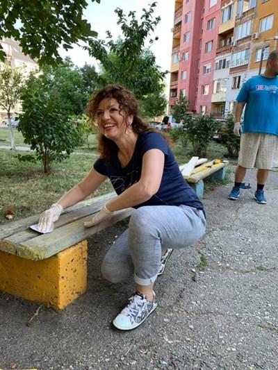 """За Мария Илиева е важно обновяването на детските площадки и зелените площи в """"Младост"""