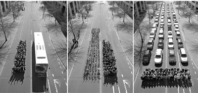 Виенската община предоставя на гражданите велосипеди и коли под наем. На снимката се вижда колко място е необходимо за транспортиране на 60 пътници с различни превозни средства.