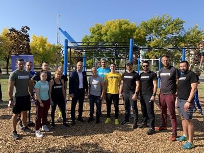 """Йордан Йовчев дойде да изпробва новия фитнес, изграден от кмета на """"Тракия"""" Костадин Димитров. На събитието присъстваха много спортисти."""