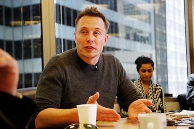 Според Илон Мъск дългите обсъждания в офиса са болестта на големите компании. СНИМКА: РОЙТЕРС