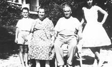 Поп не искал да ожени Тодор Живков - младоженците били с делнични дрехи, а кумовете комунисти