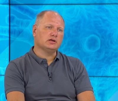Имунологът Велизар Шиваров