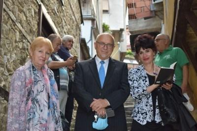 Поетесите Роза Боянова /в ляво/ и Наталия Недялкова представиха Бургас на форума  в Македония.