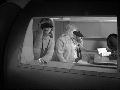 """Посетителите на изложбата могат да я видят само със специални очила за нощно виждане. СНИМКА: АРХИВ НА ГАЛЕРИЯ """"ГРАФИТ"""""""