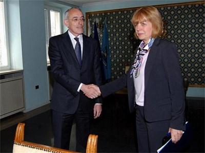Кметът на София Йорданка Фандъкова и шефът на КРИБ Огнян Донев се разбраха да сформират бизнес съвет. СНИМКА: ДЕСИСЛАВА КУЛЕЛИЕВА