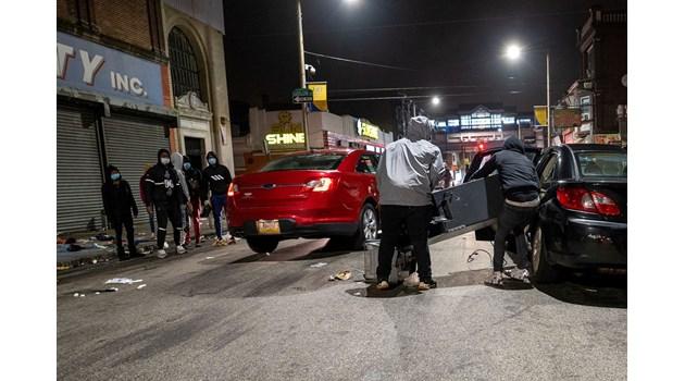 Бунт във Филаделфия, 30 полицаи ранени