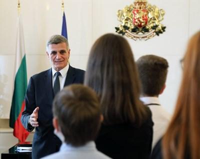 Стефан Янев се срещна с ученици в Министерския съвет. Снимки правителствена пресслужба