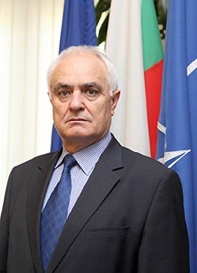 Зам.-министърът на отбраната ген. Атанас Запрянов   СНИМКА: Архив